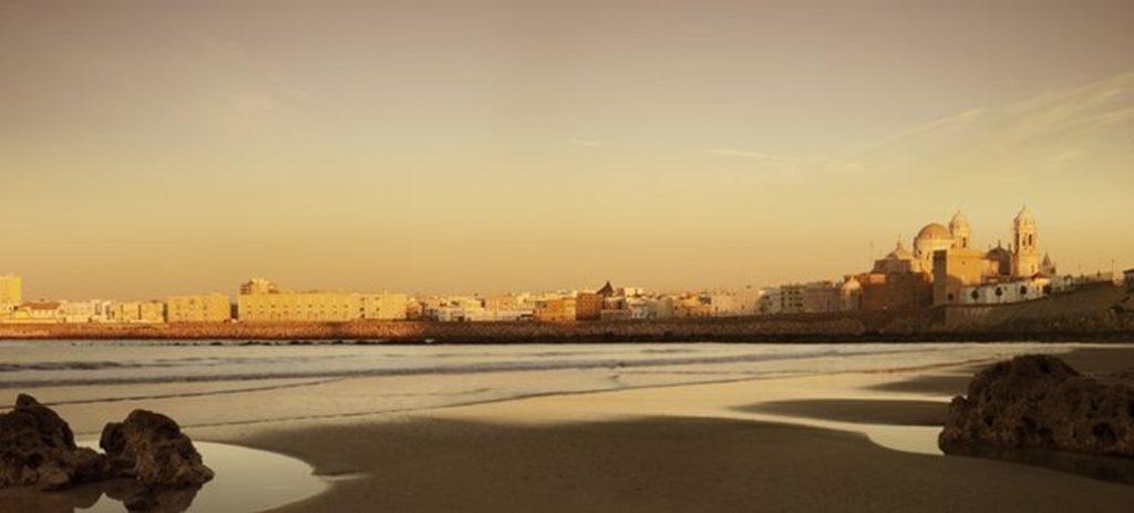 Города Испании для пляжного отдыха КАДИС